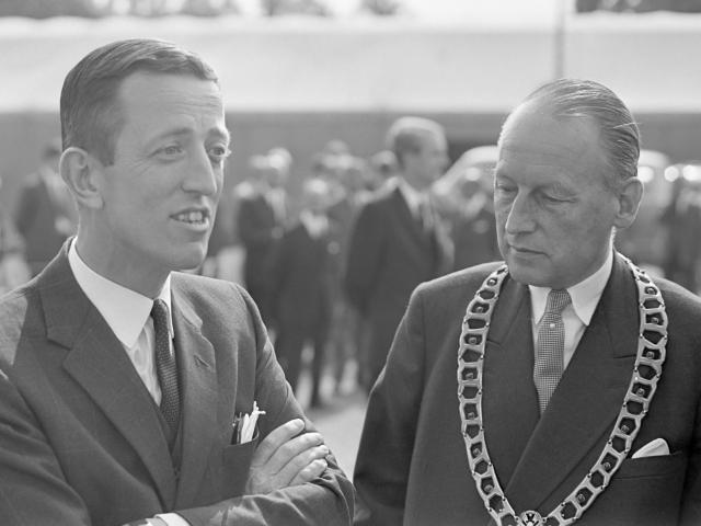 Stork-directeur Sickinghe en burgemeester Von Fisenne (1968)
