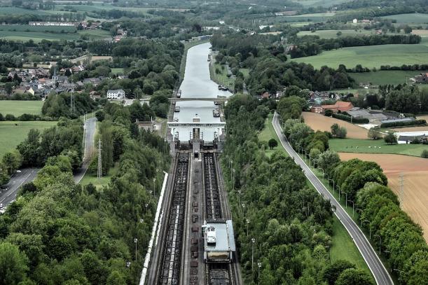 hellend vlak