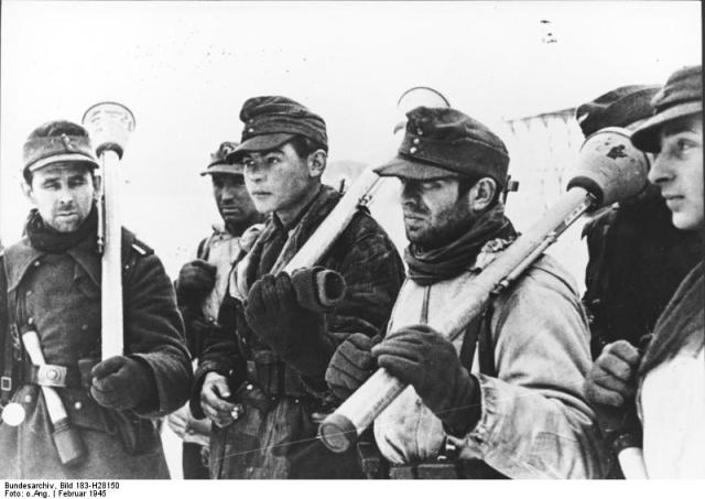 Deutsche Soldaten mit Panzerfäusten