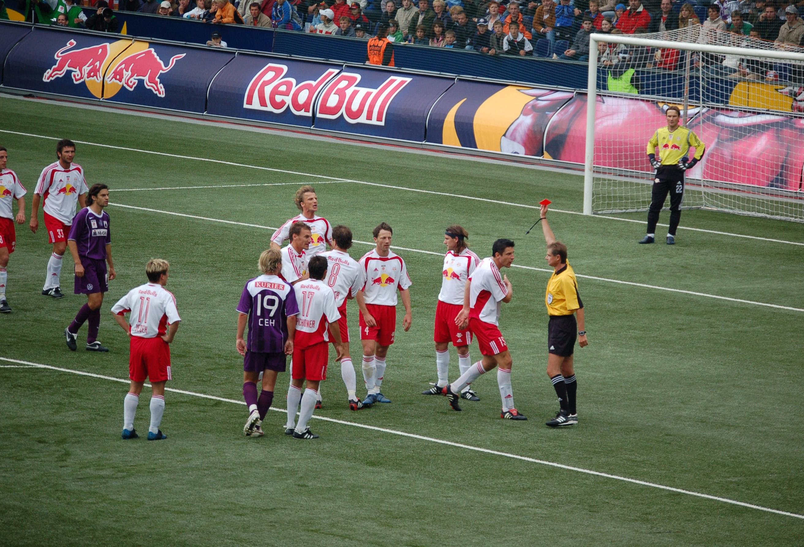 Rote_Karte-RB_Salzburg-18-09-2005
